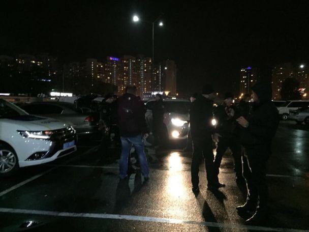 В Киеве спецназовцы задержали автомобиль с 6,5 кг взрывчатки, готовой для использования