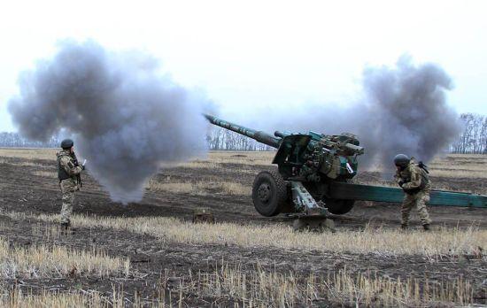 Бойовики не припиняють обстріли: поранено українського захисника. Дайджест АТО