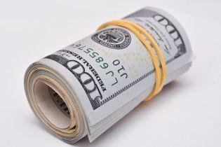 В среду основная валюта подорожала в курсах Нацбанка. Инфографика