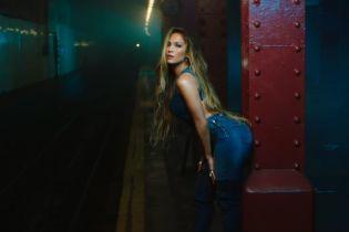 Сексапильная Дженнифер Лопес соблазнительно покрутила ягодицами в новом клипе