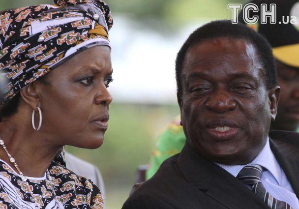 """Криза у Зімбабве: військові захопили телерадіокомпанію і погрожують """"вічному"""" президенту"""