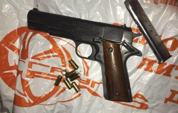 У Києві накрили озброєну банду грузинів, які відібрали в подружжя сумку з грошима на купівлю авто