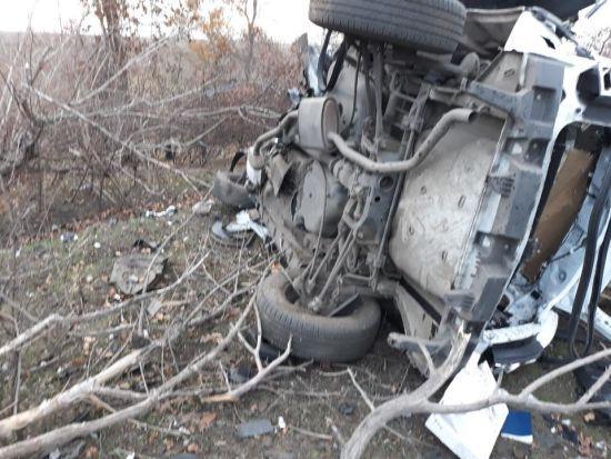 На Донеччині поліцейське авто підірвалось на міні, є загиблі