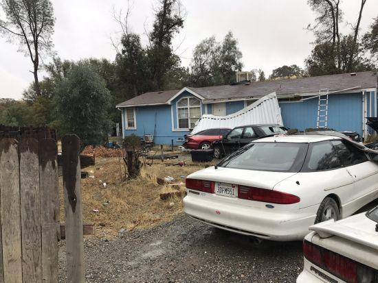 У будинку каліфорнійського стрілка знайшли замордоване тіло його дружини