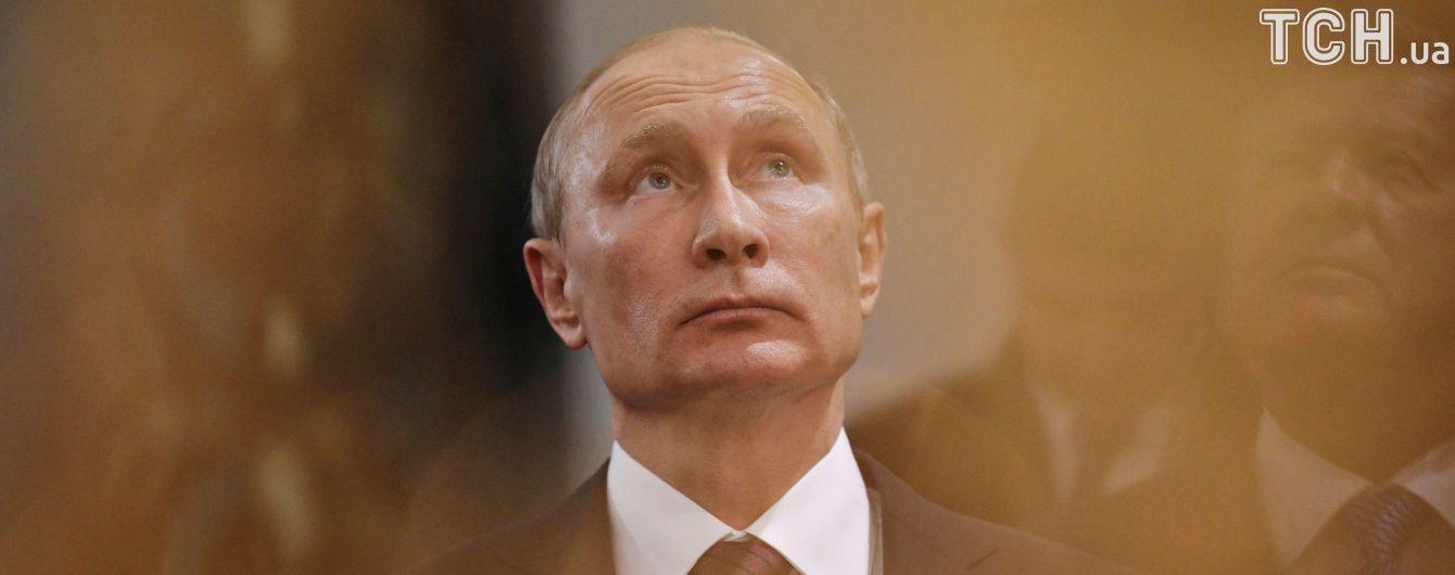 Путін не бачить відмінностей між мощами святих і тілом Леніна в мавзолеї