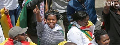 Начало новой жизни. Тысячи людей в Зимбабве вышли на улицы, чтобы прогнать Мугабе