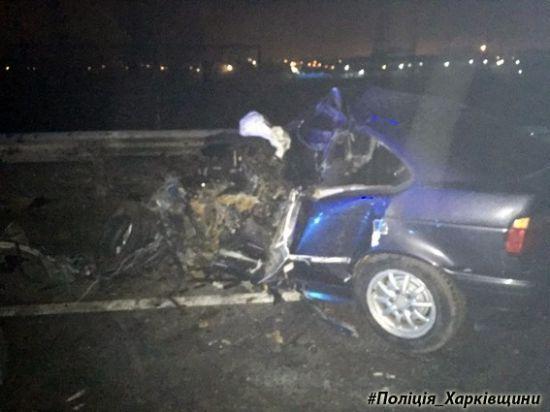 У Харкові водій BMW вилетів на зустрічну та загинув від зіткнення з автобусом