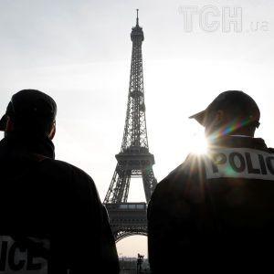 Во Франции полицейский открыл стрельбу по собственной семье