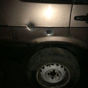 В Днепре водитель авто на евробляхах расстрелял четверых мужчин на стоянке