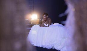 Декольте Бейонсе, карусель и танец в кедах. Как Серена Уильямс вышла замуж