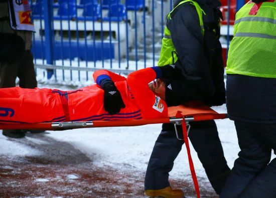 Двоє футболістів ЦСКА зламали ноги в офіційному матчі за 17-градусного морозу