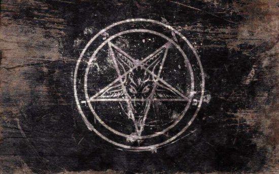 Пентаграма, задушена чорна курка та спалений чоловік. На Одещині сатаністи скоїли ритуальне вбивство