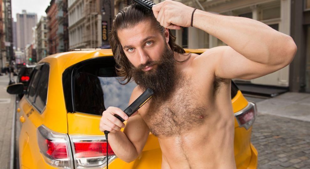 """""""Гарячі"""", сексуальні та пузаті. Оголені таксисти знялися для календаря на 2018 рік"""