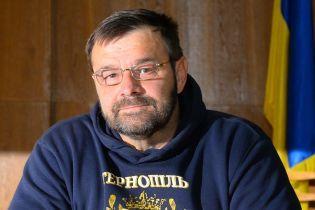 У Тернополі депутат-розбишака в інвалідному візку сильно побив поліцейських і відібрав жетон та рацію