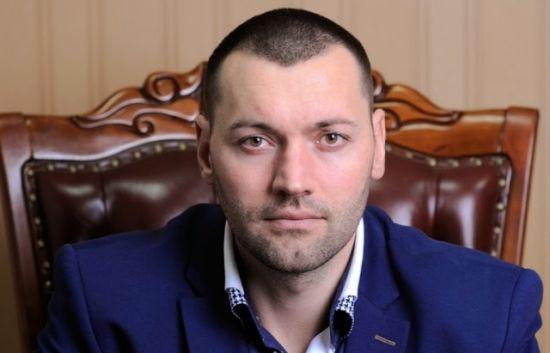 В Ужгороді підірвали квартиру місцевого депутата