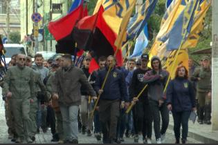 Языковые страсти на Буковине: националисты пикетировали румынский культурный центр в Черновцах