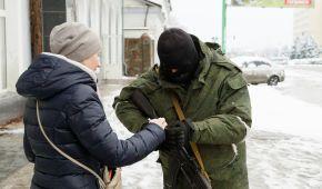 Окупанти на Донбасі створюють спецзагони для придушення акцій громадянської непокори – розвідка