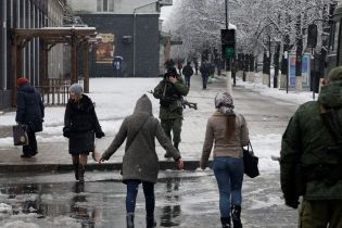 Блокадний Луганськ: Плотницького оточили з усіх боків, а на вулицях перевіряють документи