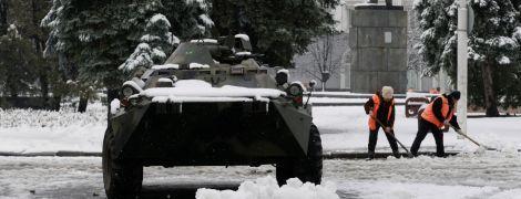 Боевики и военная техника ушли из центра оккупированного Луганска