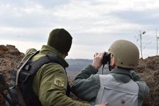 Боевики уменьшили количество обстрелов на Донбассе до минимума, но ситуация остается тревожной