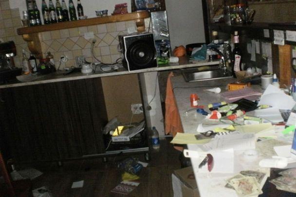 Десятеро молодиків у балаклавах влаштували збройний напад на готель на Рівненщині