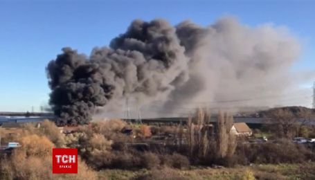 В Лондоні сталася масштабна пожежа на складах