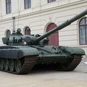 У Міноборони розповіли про танки, які блогери знайшли без охорони у Харкові