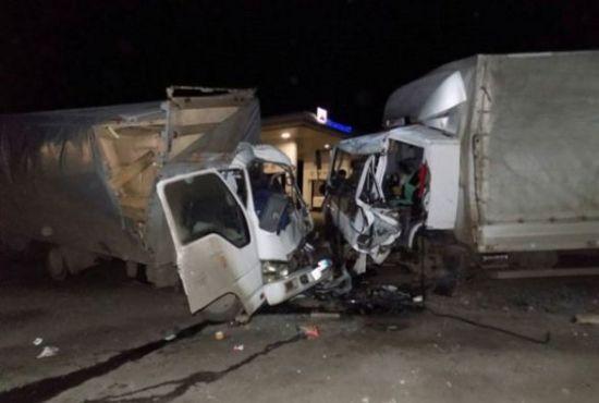 На Вінничині лоб у лоб зіткнулися вантажівки: обидва водія загинули