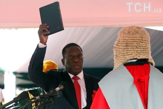 """Крокодил"" Мнангагва склавприсягу президента Зімбабве"