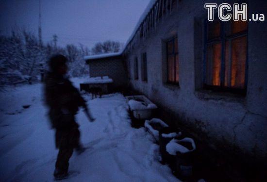 Жителі звільнених сіл в АТО сподіваються, що разом з українськими військовими з'явиться світло і харчі