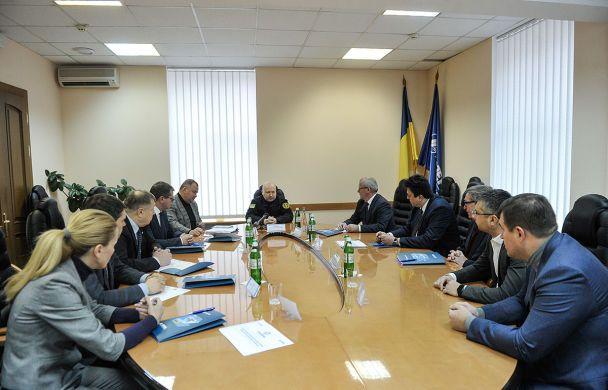 Україна вже забезпечена боєприпасами для реактивних залпових систем - Турчинов