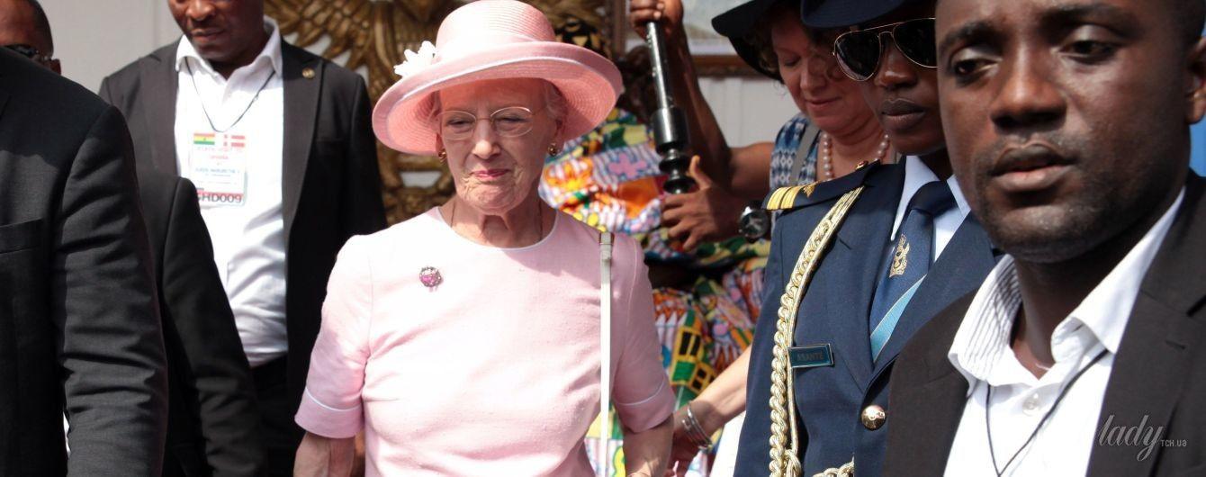 Модный промах: королева Маргрете II надела на деловую встречу старое платье