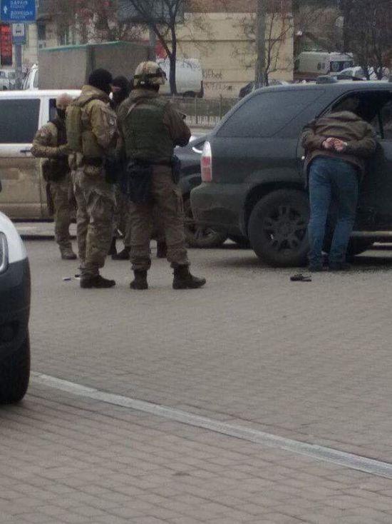 """У Києві посеред дня невідомі викрали ветерана батальйону """"Донбас"""" - активісти"""