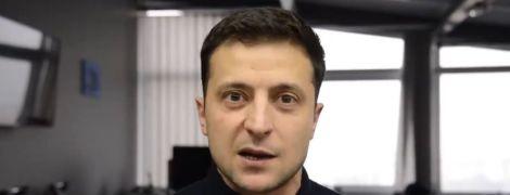 Володимир Зеленський емоційно відповів злостивцям: Йдіть у дупу