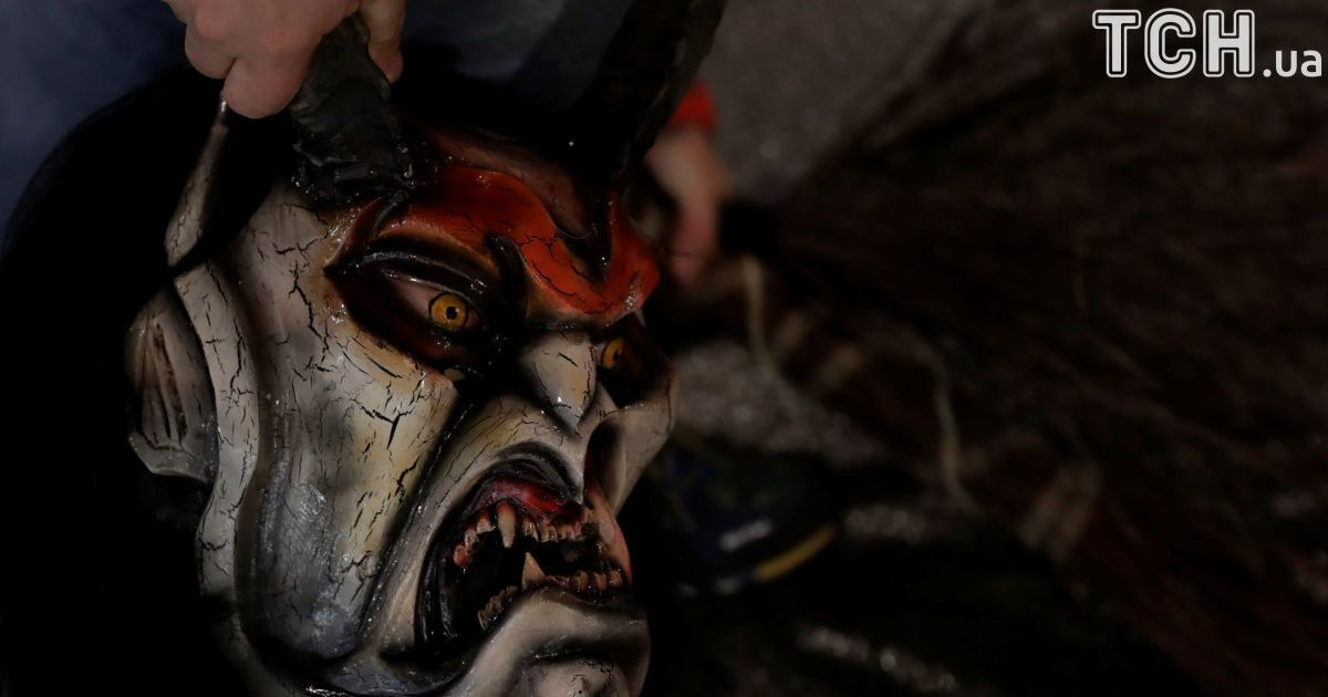 Крампус шоу в Австрии. Чудовища из ада забирали с собой тех, кто плохо себя вел в этом году