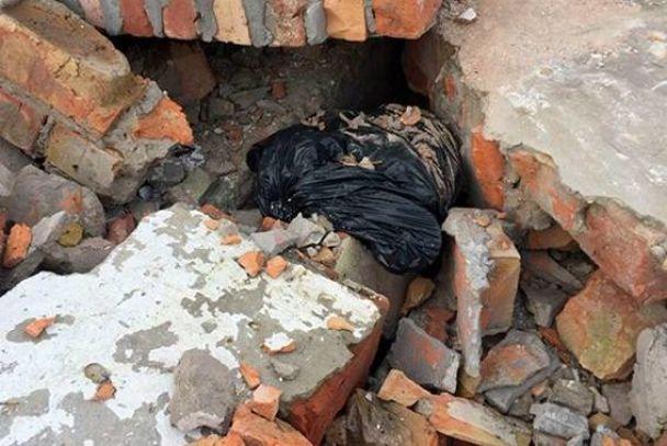 В Днепре в недострое нашли тайник с боеприпасами и гранатометами