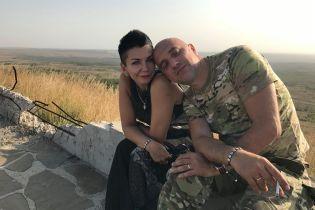 """Симпатик """"ДНР"""" Прилєпін обвінчався з дружиною у Донецьку і отримав у подарунок гранатомет"""