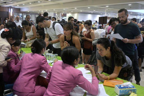 Почти 60 тысяч человек заблокированы в аэропорту Бали из-за извержения вулкана