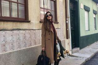 Звезды в реальной жизни: стильная Сара Карбонеро на прогулке с сыном