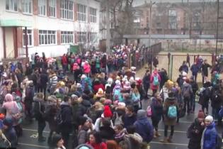 У Чернігові евакуювали учнів через витік невідомої хімічної речовини
