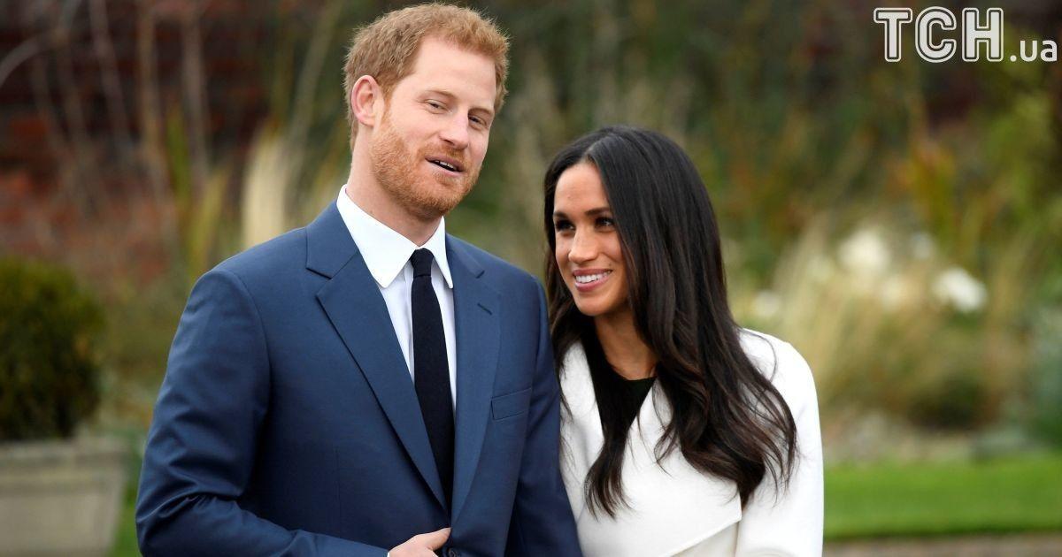 f1a8d6cecaa715 Схвильований принц Гаррі та щаслива Меган Маркл вперше вийшли в світ як  наречені (13.99/21)