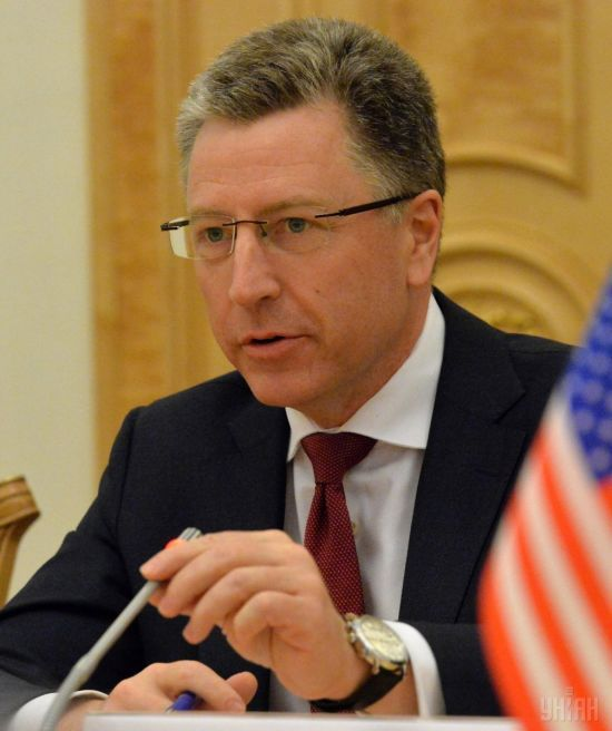Волкер нагадав про право українських військових застосовувати зброю на Донбасі