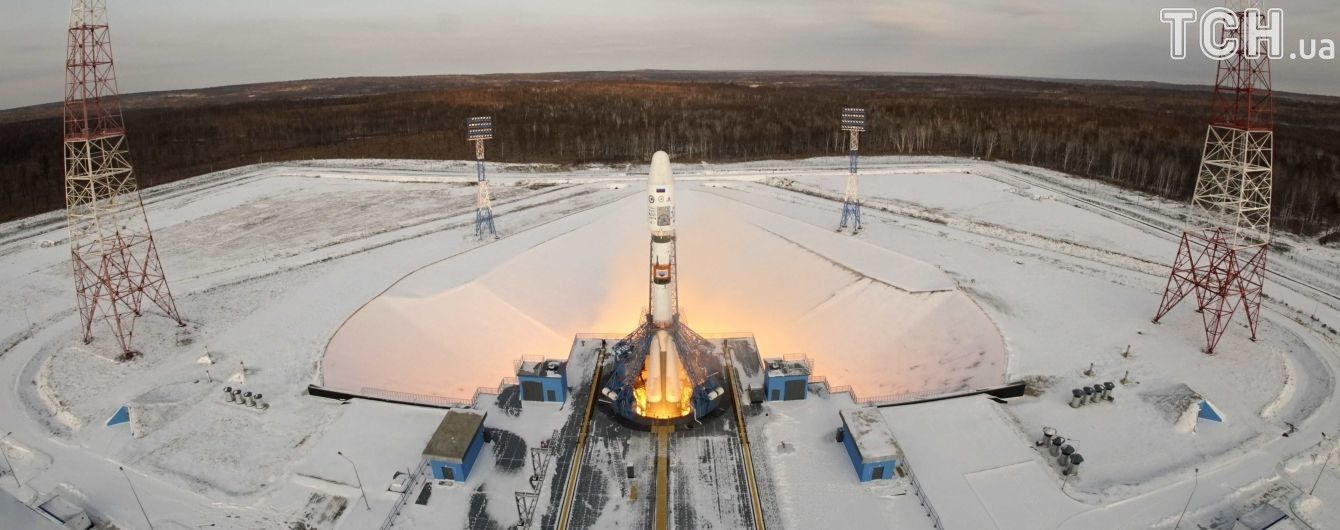 Затерянные в небе. После запуска в космос российской ракеты со спутником с ними пропала связь