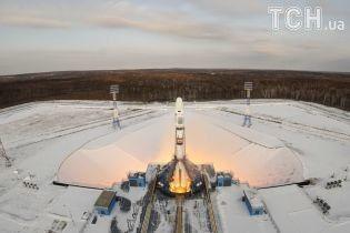 Загублені в небі. Після запуску в космос російської ракети із супутником із ними зник зв'язок