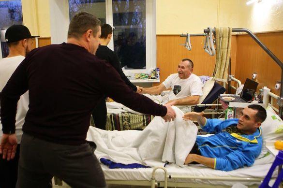 Динамо провідало поранених бійців АТО_5