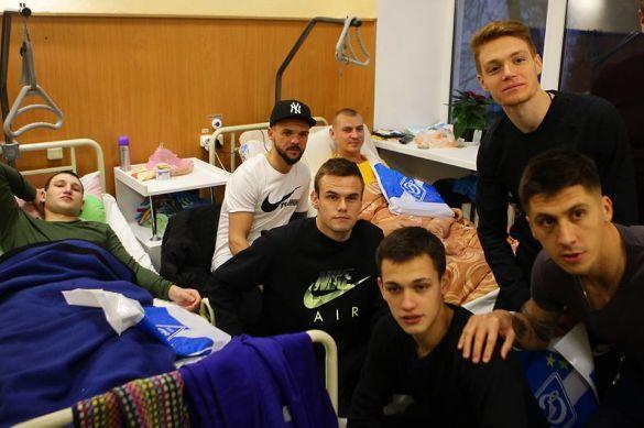 Динамо провідало поранених бійців АТО_4