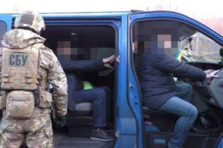 На Львівщині на хабарі упіймали цілу групу митників