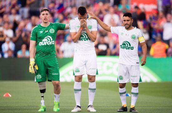 """Рік жахливій катастрофі """"Шапекоенсе"""": Як склалися долі трьох футболістів, яким пощастило вижити"""