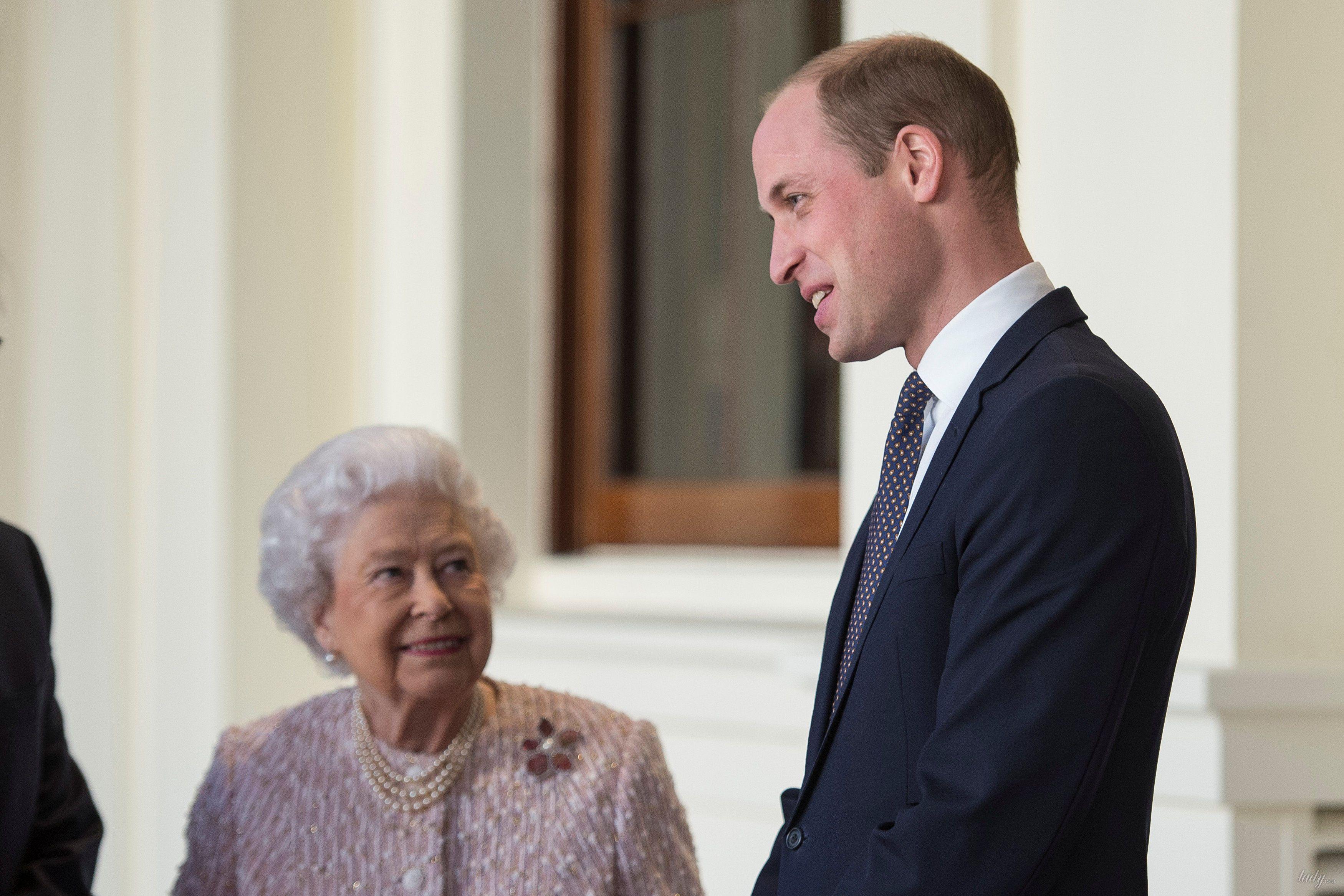 Королева Елизавета II и принц Уильям _1