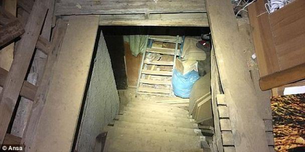 Итальянец 10 лет держал женщину в грязном подвале, пытал, насиловал и заставлял рожать детей